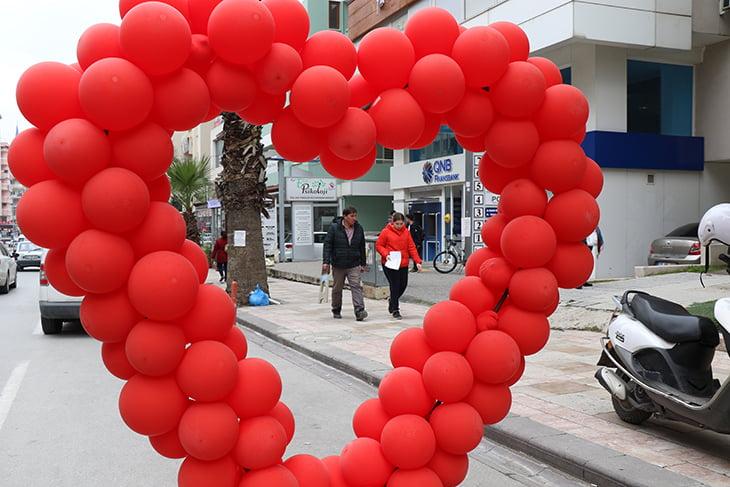 Denizli'de 14 Şubat Sevgiler Günü heyecanı