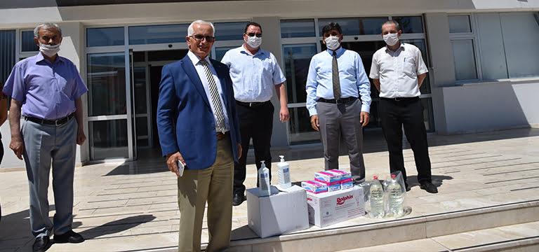 Denizli'deki ilçelere açık öğretim sınavı öncesi maske ve dezenfektan temini